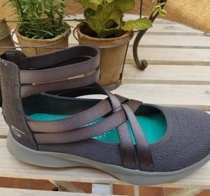 Women Skechers Shoes